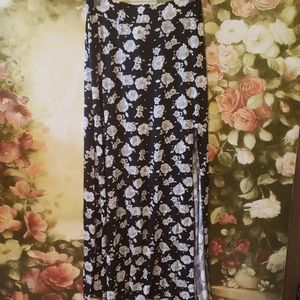 2/$10 American Eagle maxi skirt One Size